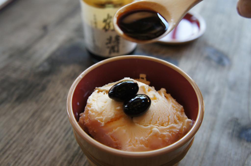 醤油アイスクリーム